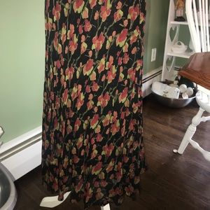 Beautiful full length floral skirt L